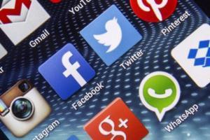 Come usare due account WhatsApp Skype e Facebook