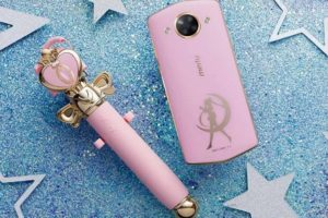 Meitu M8 selfie lo smartphone di Sailor Moon AMCOMPUTERS