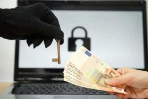 Attacco hacker mondiale virus che chiede il riscatto