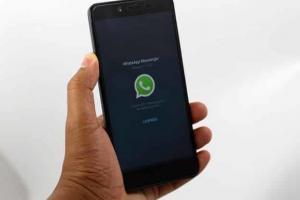 WhatsApp in arrivo gli sticker di Facebook Messenger