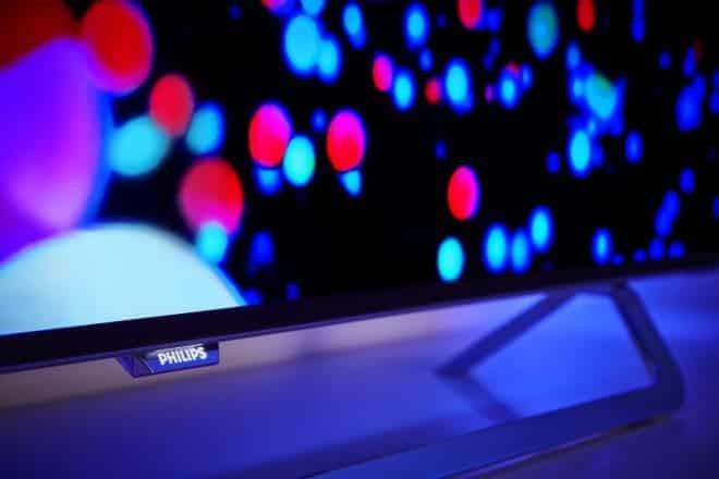 Il nuovo Android TV OLED di Philips con Ambilight
