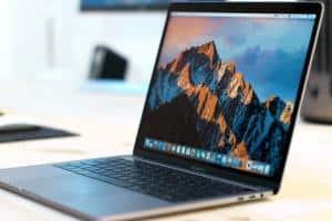 MacBook Pro 13 TouchBar 2017 con Kaby Lake