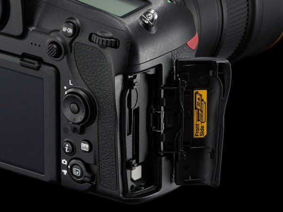 Nikon annuncia la reflex full-frame D850