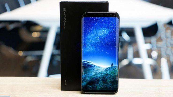 Galaxy S9 con riconoscimento facciale e quattro fotocamere