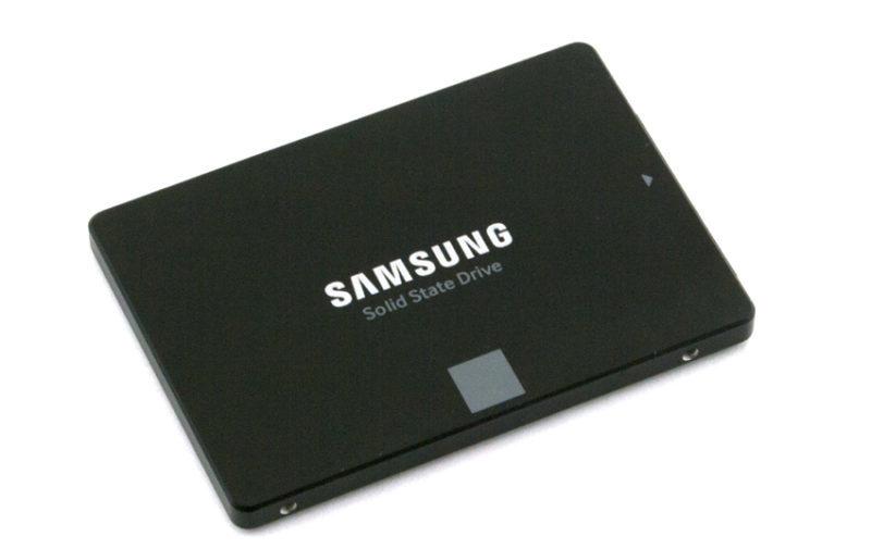 Samsung 860 EVO ssd con tagli fino a 4TB
