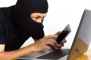 App e programmi per spiare SMS e Facebook