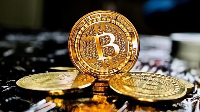 Una criptomoneta deve potere essere scambiata con soldi veri