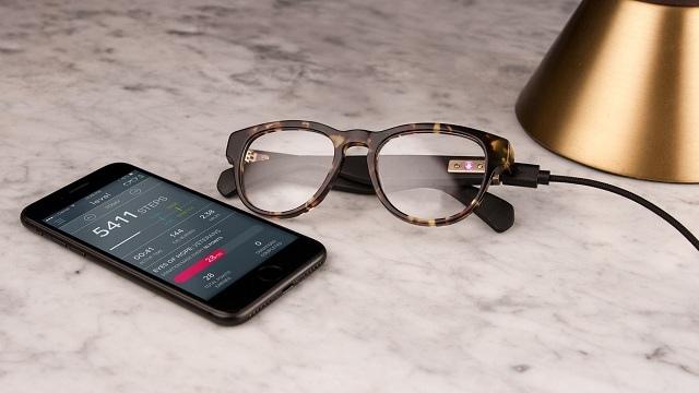 Arrivano gli smartglasses che monitorano le tue attività