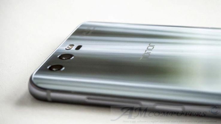 Honor 10 caratteristiche e uscita dello smartphone lowcost