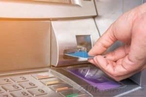 Bancomat attacco ATM basta una chiavetta USB per rubare denaro